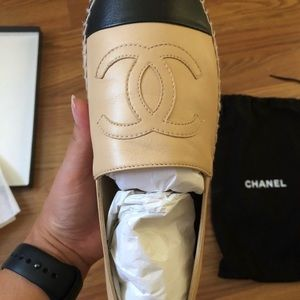 CHANEL Shoes - Chanel lambskin espadrilles euc Black and Tan
